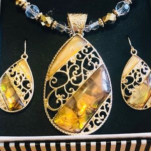 Mix It Gold Statement Necklace and Earrings Set